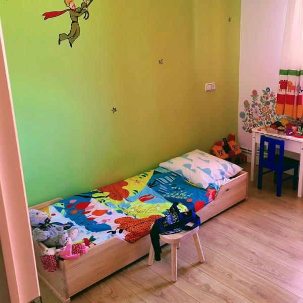 Cama kutuva Montessori barniz 190